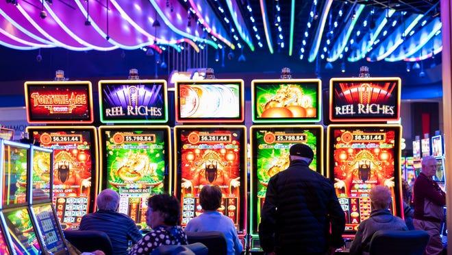 Live Casino Poker Space & Tournaments